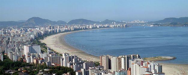 Oversiktsbilde av Santos strand